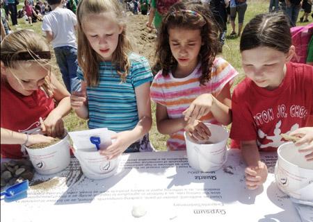 Kids take to 'Sand Mine'