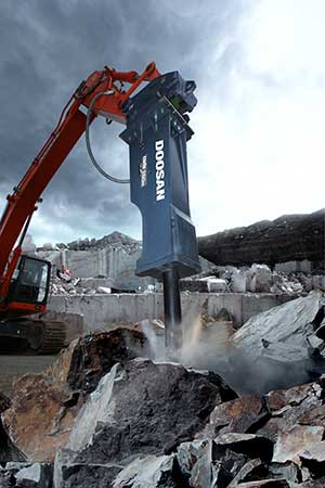 Tips and technologies for hydraulic breaking