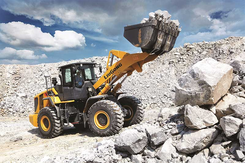 LiuGong debuts latest wheel loaders, excavators