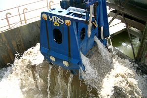 MRS Greifer provides dredges to assist sand-and-gravel producers. Photo courtesy of Thaman Rubber