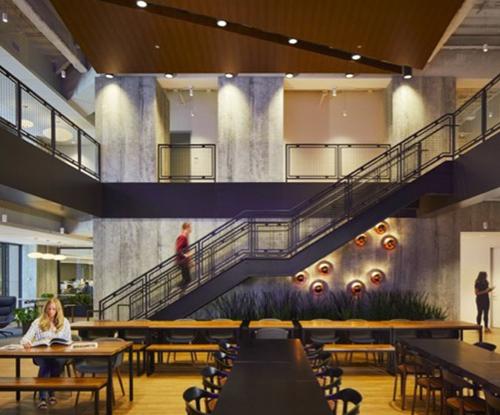 Komatsu America to move headquarters to Chicago