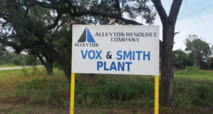 The Alleyton Resource Vox Plant in Garwood, Texas, produces construction aggregate and concrete sand. Photo courtesy of Polydeck