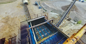 Combining modular welded-wire screen panels with synthetic media panels eliminates top-deck screening bottlenecks at Alleyton Resource's Vox Plant. Photo courtesy of Polydeck