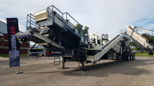 Cross conveyors recirculate both decks on the CRH1111R to increase plant efficiency, and a 5-ft. x 16-ft. screen operates at a 20-degree angle to maximize capacity.