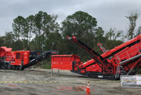 The I-140 and 684 work during the Terex Finlay demonstration in Jacksonville, Florida. Photo by Joe McCarthy