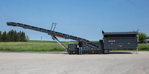 Superior's 8-ft. x 16-ft. tracked portable feed hopper.
