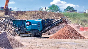 The Metrotrak is fitted with Powerscreen Pulse, providing useful information about machine performance. Photo courtesy of Powerscreen.