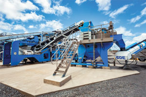 CDE developed a fully integrated plant for Hawaiian Cement built around the EvoWash. The plant includes an M4500, pictured, and the AggMax. Photo courtesy of CDE