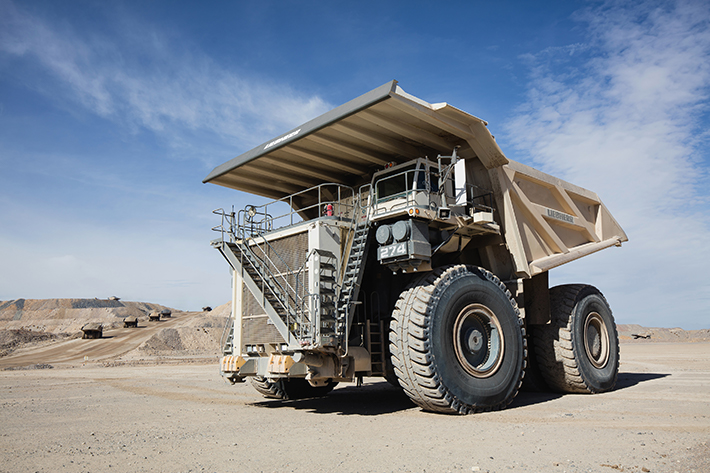 The new T 274 mining truck follows the same base design as the T 284. Photo: Liebherr