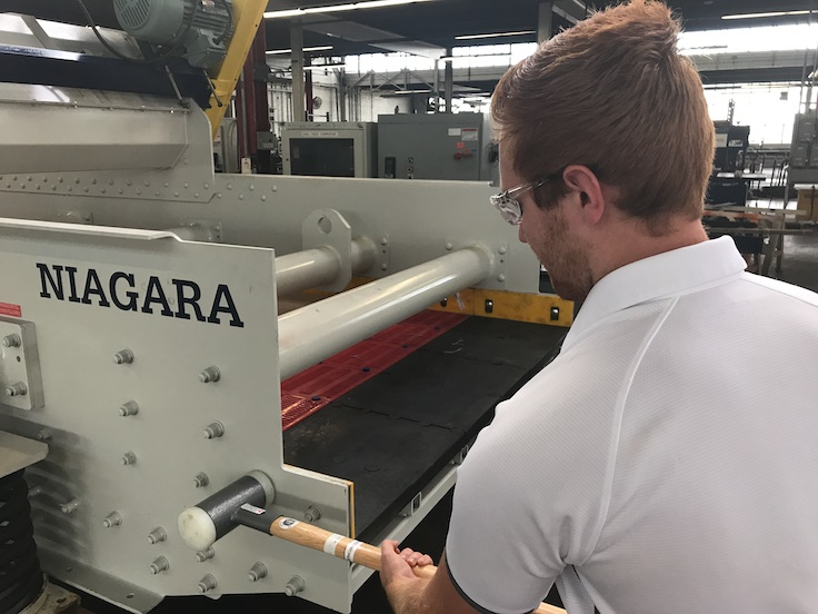 Integration of impact data with other reporting and historical tracking provides a more holistic view of the individual machine and gives customers the information needed to maximize uptime. Photo: Haver & Boecker Niagara