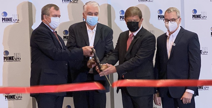 From left: Mark Bristow, president and CEO of Barrick Gold Corp., Nevada Gov. Steve Sisolak, National Mining Association chairman Jimmy Brock of Consol Energy and MINExpo International 2021 chairman Jeffrey Dawes of Komatsu Mining cut the ribbon to officially opening MINExpo International 2021. Photo: P&Q Staff